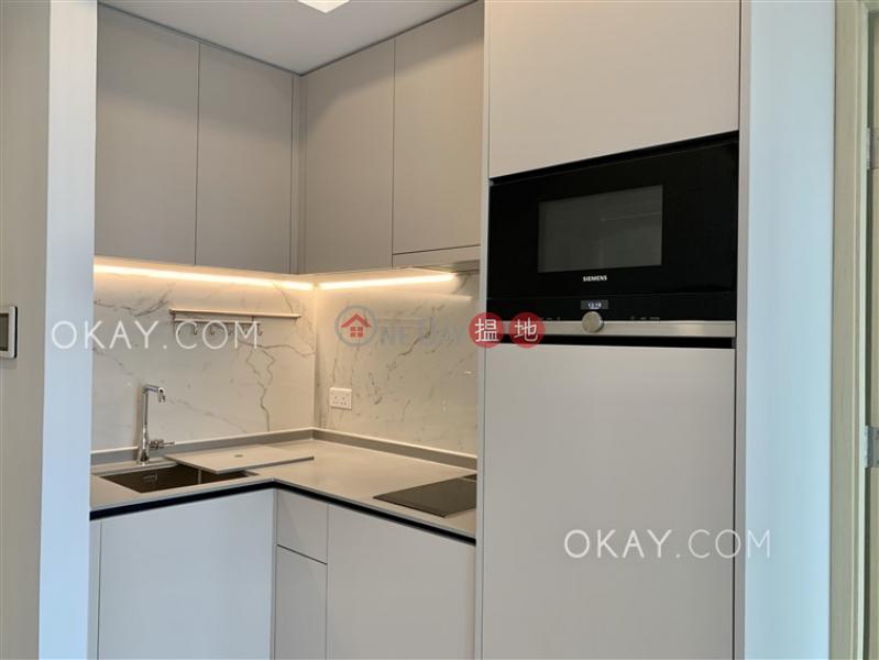 1房1廁,極高層,星級會所,露台《RESIGLOW薄扶林出租單位》|8興漢道 | 西區香港出租HK$ 27,000/ 月