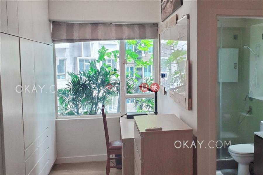 Tasteful 2 bedroom in Mid-levels West | Rental | Ying Piu Mansion 應彪大廈 Rental Listings