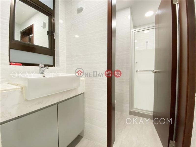 3房2廁,實用率高,極高層,露台《華興工業大廈出租單位》|華興工業大廈(Wah Hing Industrial Mansions)出租樓盤 (OKAY-R71631)