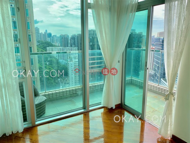 HK$ 28M Royal Terrace | Eastern District Charming penthouse with sea views, terrace & balcony | For Sale
