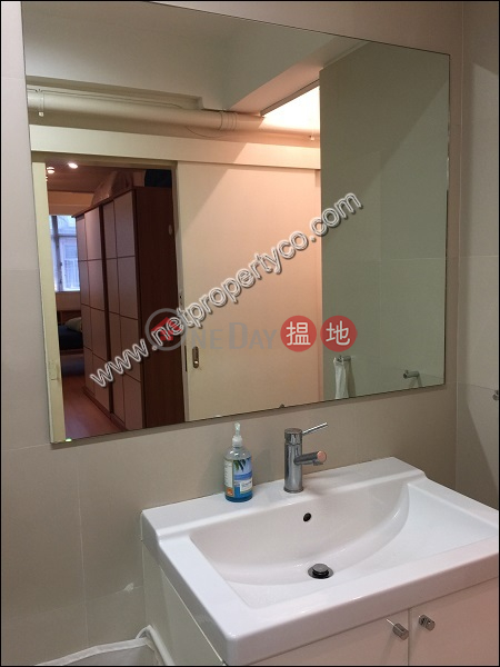 HK$ 17,000/ month, Lei Ha Court, Wan Chai District, Spacious Studio Apartment in Causeway Bay for Rent