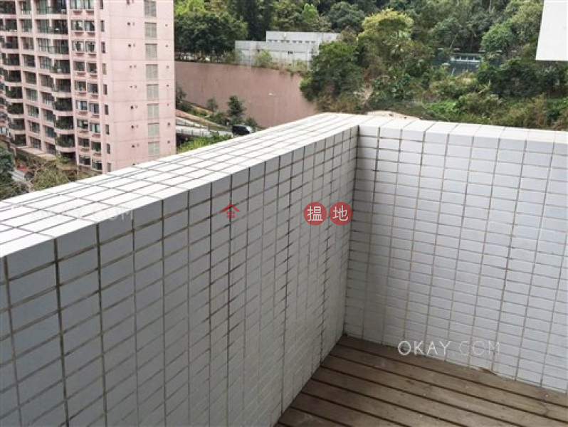 Stylish 3 bedroom with balcony & parking | For Sale | 1a Robinson Road 羅便臣道1A號 Sales Listings