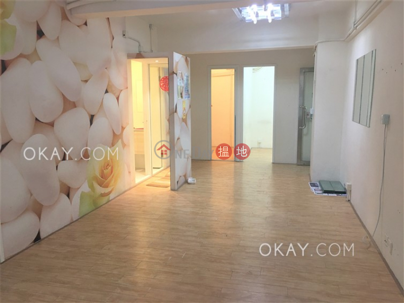 Unique 2 bedroom in Causeway Bay | For Sale | Lai Yuen Apartments 麗園大廈 Sales Listings