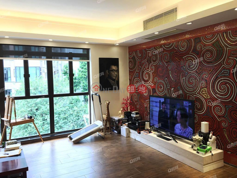 HK$ 79,000/ month, 79-81 Blue Pool Road | Wan Chai District 79-81 Blue Pool Road | 3 bedroom Mid Floor Flat for Rent