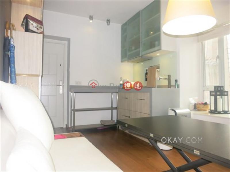 HK$ 900萬|龍豐閣-西區2房1廁,海景《龍豐閣出售單位》