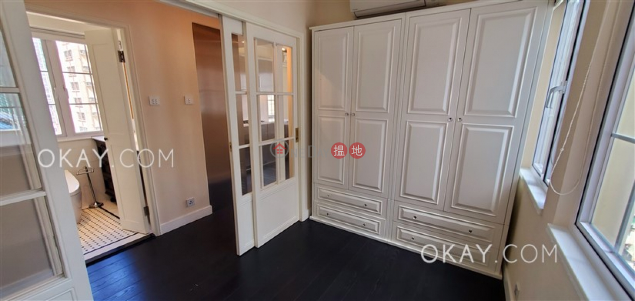 Charming 1 bedroom in Sheung Wan | Rental | Tai Hing Building 太慶大廈 Rental Listings