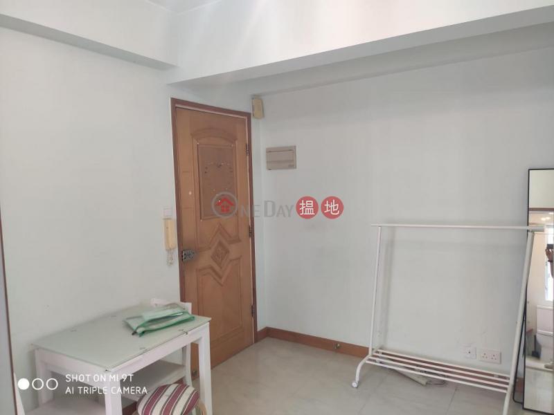HK$ 15,000/ month | Sau Wa Court | Wan Chai District Flat for Rent in Sau Wa Court, Wan Chai