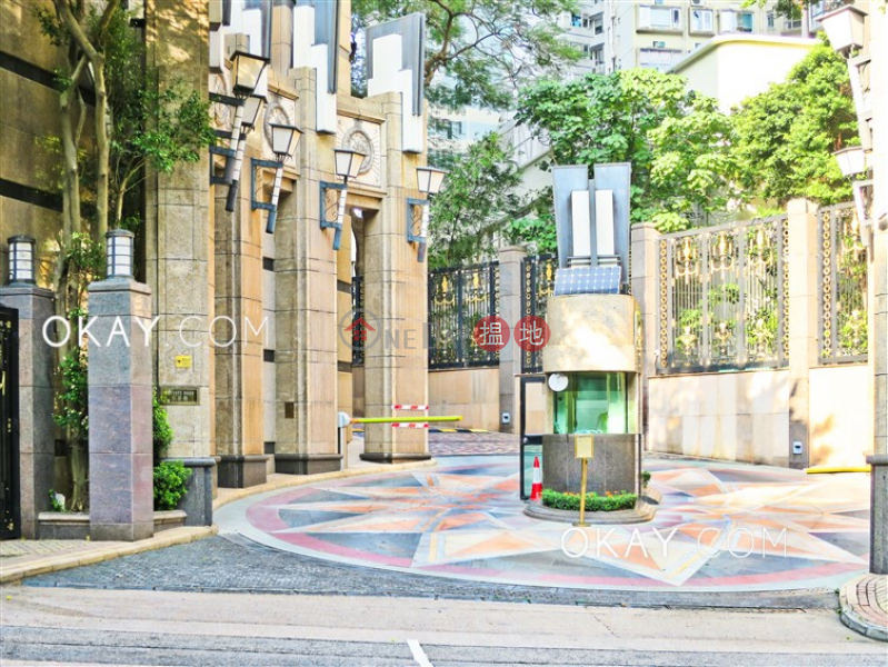 Luxurious 3 bedroom on high floor with parking | For Sale | The Leighton Hill 禮頓山 Sales Listings