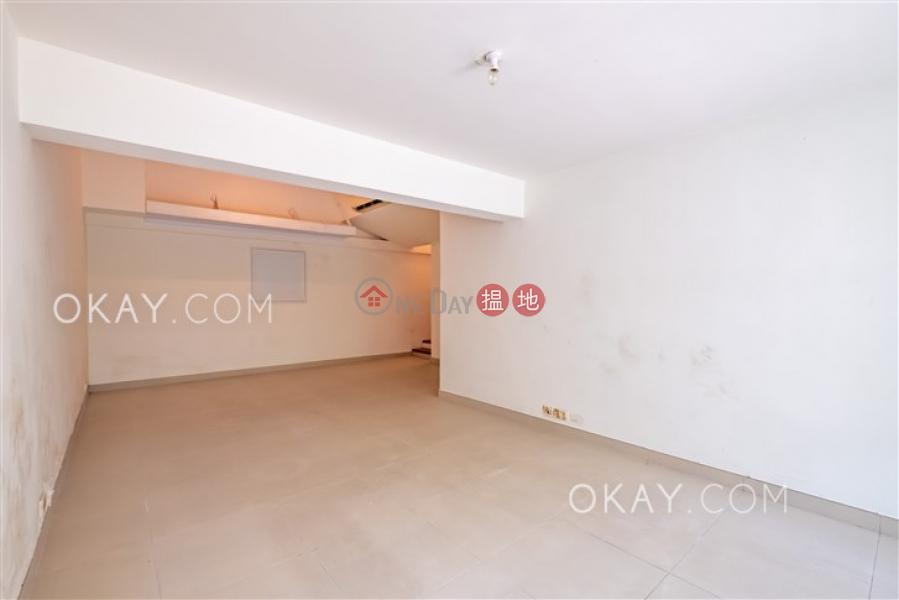 HK$ 7,200萬|摩星嶺村西區4房4廁,連車位,露台,獨立屋《摩星嶺村出售單位》