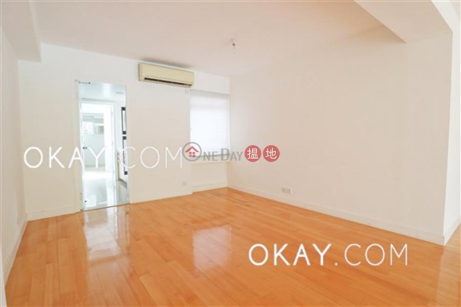Efficient 3 bedroom with balcony & parking | Rental | Unicorn Gardens 麒麟閣 Rental Listings