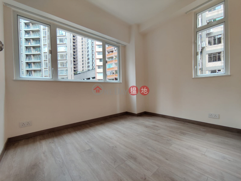 Property Search Hong Kong | OneDay | Residential | Rental Listings **Highly Recommended**Newly Renovated, Bright w/lot of windows, Close to Escalator/Supermarkets,a few mins walk to Central/SOHO
