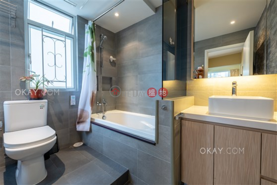 HK$ 24M | Po Chi Building | Wan Chai District Lovely 3 bedroom in Wan Chai | For Sale