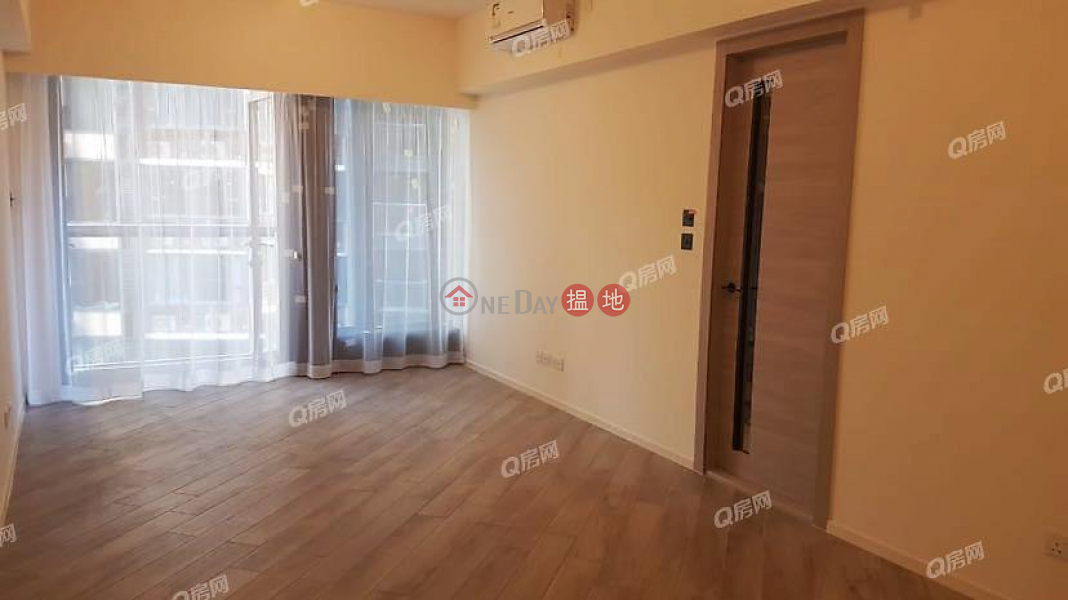 HK$ 52,000/ month Wilton Place Western District, Wilton Place | 3 bedroom Mid Floor Flat for Rent
