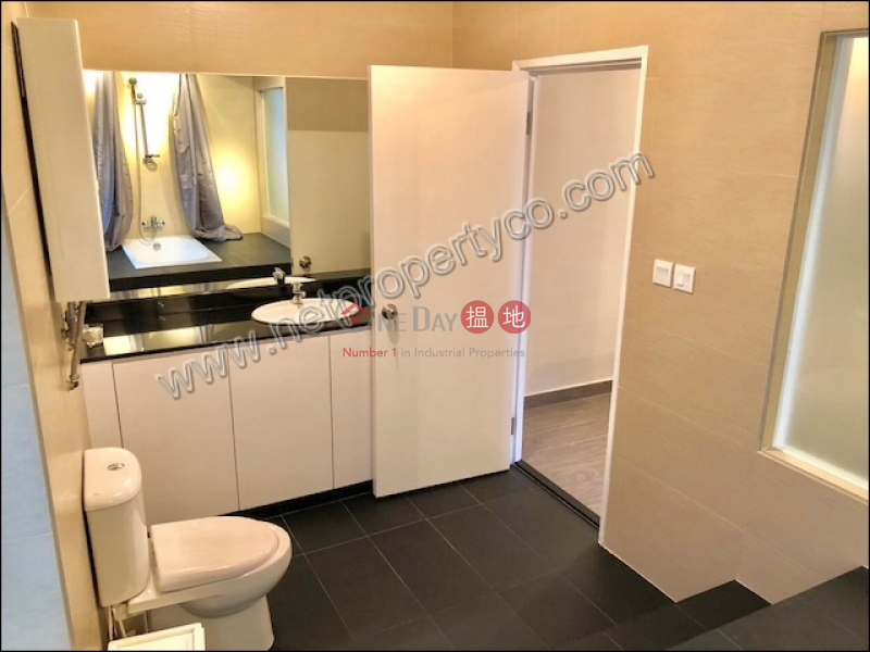 HK$ 33,000/ month, Ivory Court | Central District New Decorated and Duplex Unit for Rent