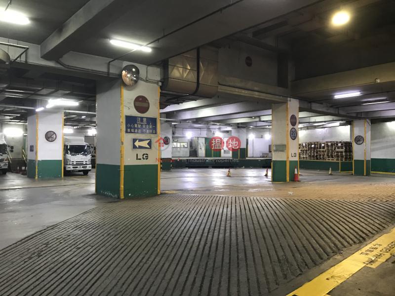 優質工廈,特大貨梯及車場88梨木道 | 葵青香港出售-HK$ 2,500萬