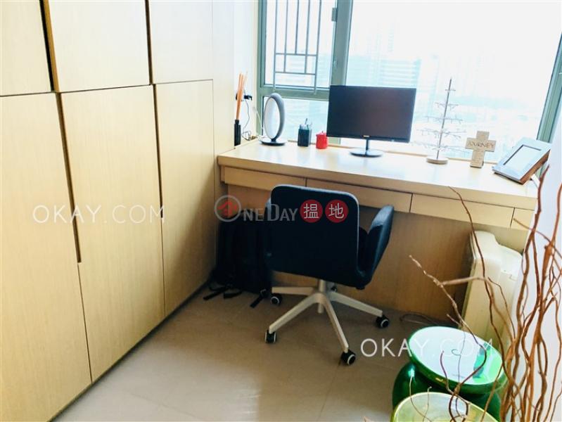 2房1廁,極高層,星級會所《維港灣2座出售單位》-11海輝道   油尖旺-香港 出售HK$ 1,180萬