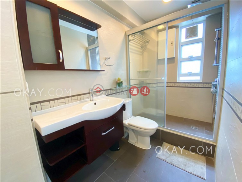 Stylish 1 bed on high floor with sea views & rooftop | For Sale | Caravan Court 嘉年華閣 Sales Listings