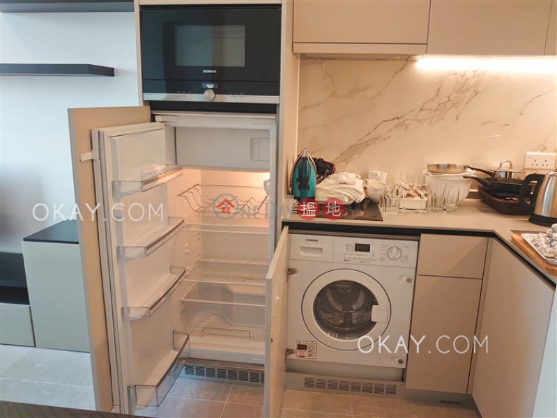 Lovely 1 bedroom on high floor with balcony | Rental | Resiglow Pokfulam RESIGLOW薄扶林 Rental Listings