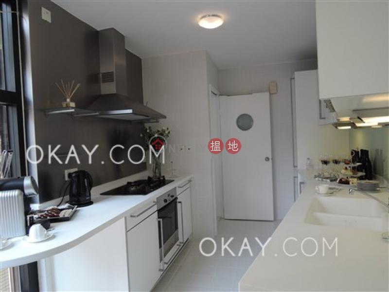 HK$ 113,000/ month Queen\'s Garden Central District | Lovely 2 bedroom on high floor with parking | Rental