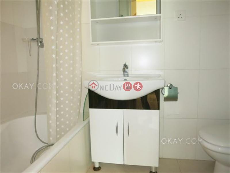HK$ 39,000/ month | Garfield Mansion Western District, Elegant 3 bedroom with balcony | Rental