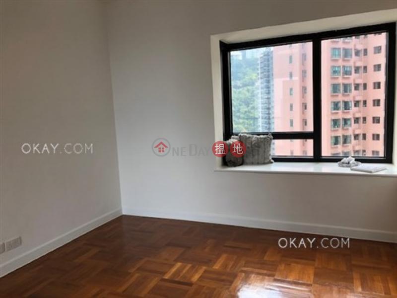 HK$ 131,500/ month | Queen\'s Garden | Central District | Gorgeous 2 bedroom on high floor with balcony & parking | Rental