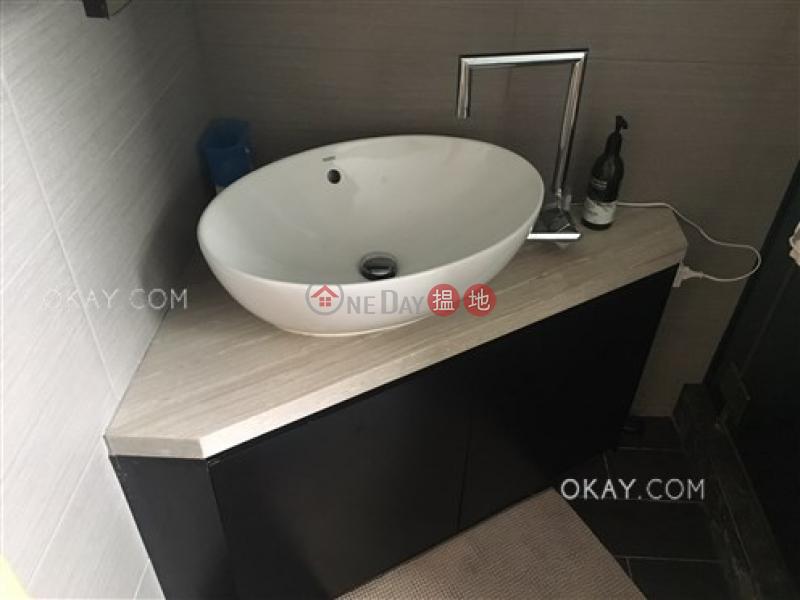 HK$ 2,000萬-山光樓-灣仔區 2房2廁,實用率高,連車位《山光樓出售單位》