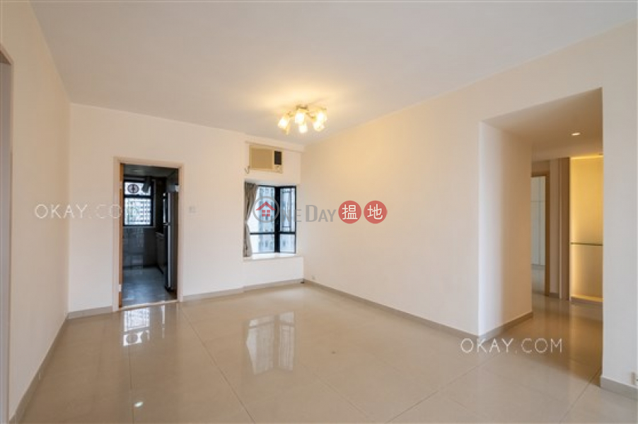 Stylish 3 bedroom with balcony & parking | Rental | Beverly Hill 比華利山 Rental Listings