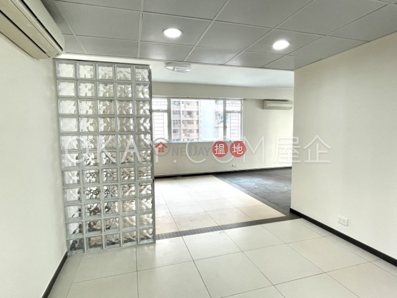 3房2廁,連車位,露台明德園出租單位 2文運道   九龍城-香港出租 HK$ 35,000/ 月