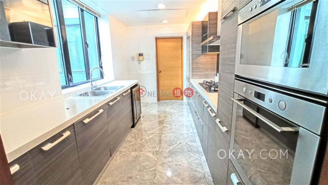 Rare 3 bedroom in Mid-levels Central   Rental   The Harbourview 港景別墅 Rental Listings