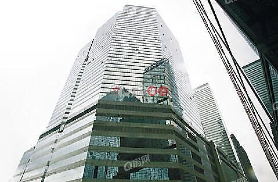 Convention Plaza Apartments | High Floor Flat for Sale | Convention Plaza Apartments 會展中心會景閣 Sales Listings