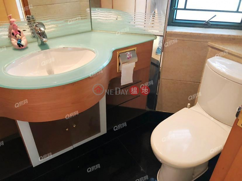 Property Search Hong Kong | OneDay | Residential | Rental Listings, Tower 7 Island Resort | 3 bedroom Mid Floor Flat for Rent