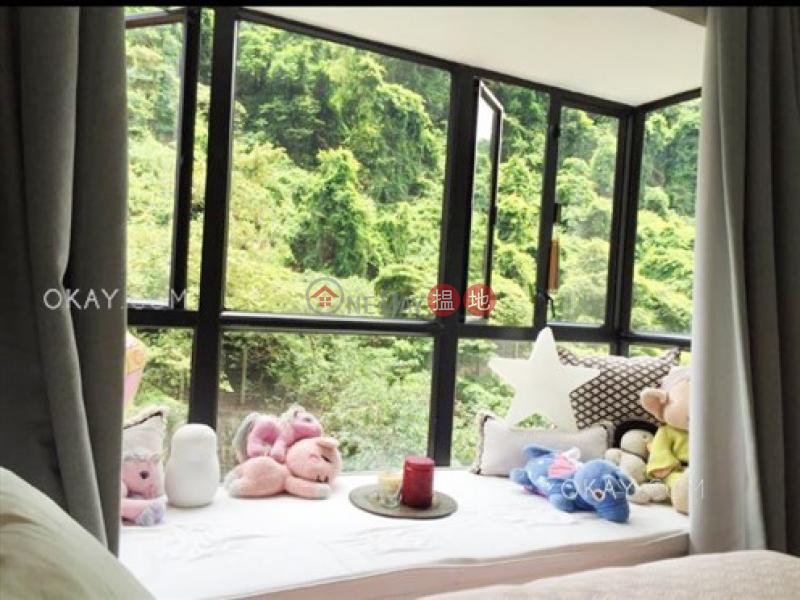 HK$ 29,800/ month Scenecliff, Western District Unique 2 bedroom in Mid-levels West | Rental