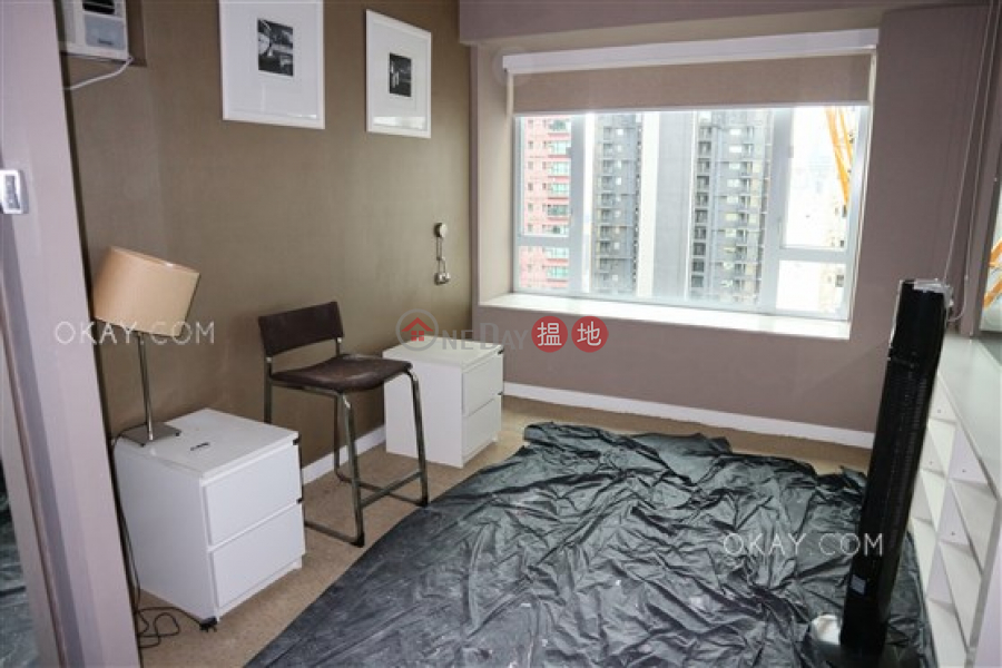 Charming 2 bedroom in Mid-levels West | For Sale | Floral Tower 福熙苑 Sales Listings