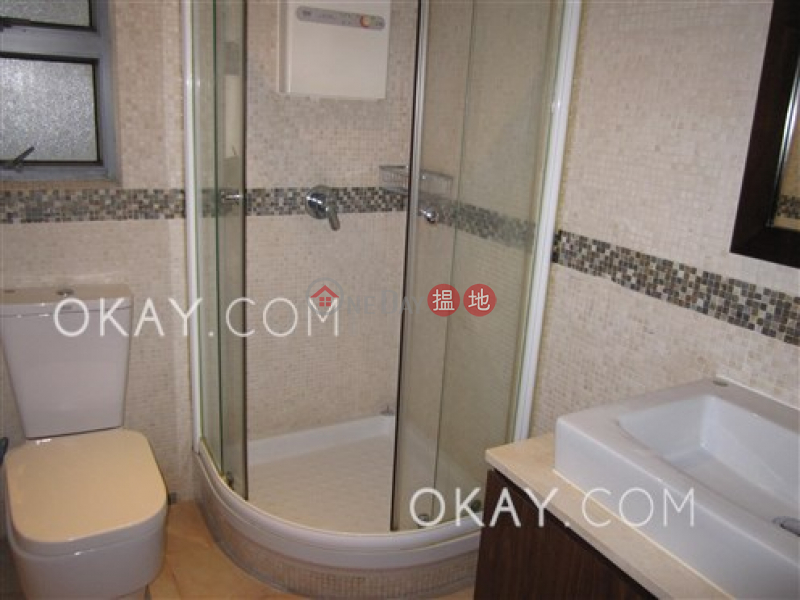 Stylish 3 bedroom in Sheung Wan | Rental, Hollywood Terrace 荷李活華庭 Rental Listings | Central District (OKAY-R64199)