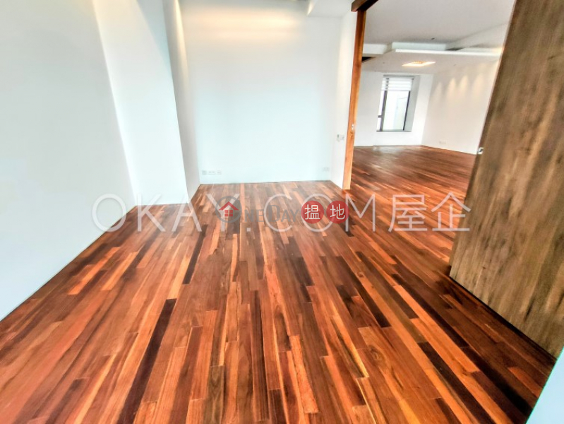Stylish 3 bed on high floor with harbour views   Rental   Caine Terrace 嘉賢臺 Rental Listings