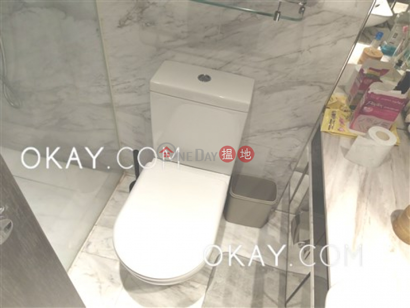 Lovely 2 bedroom with balcony | For Sale, Centre Point 尚賢居 Sales Listings | Central District (OKAY-S80758)