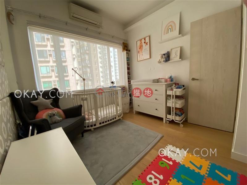 Efficient 2 bedroom with balcony & parking | Rental | Breezy Court 瑞麒大廈 Rental Listings