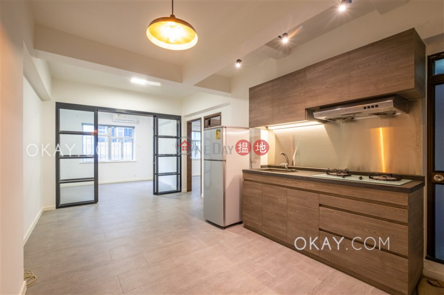 Intimate 2 bedroom in Mid-levels Central | Rental | Kam Fai Mansion 錦輝大廈 Rental Listings