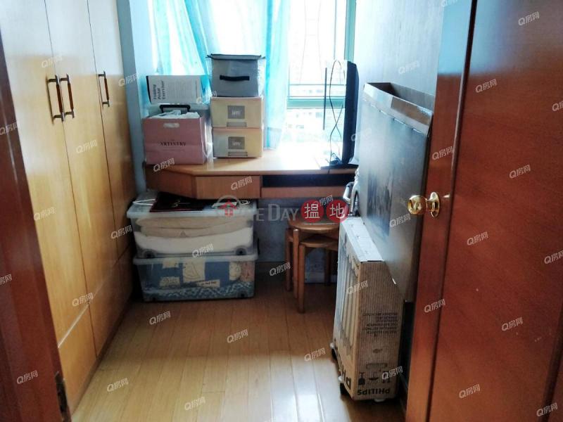 三房樓皇,間隔實用《藍灣半島 1座買賣盤》 28小西灣道   柴灣區 香港-出售HK$ 1,150萬
