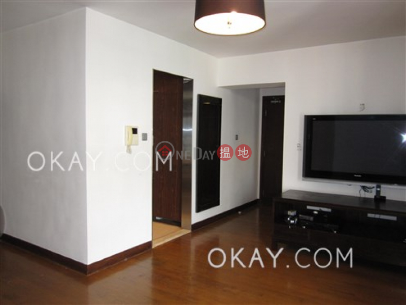 Property Search Hong Kong | OneDay | Residential | Rental Listings Stylish 3 bedroom in Sheung Wan | Rental