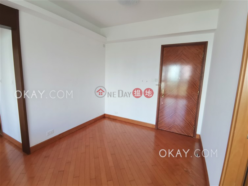 HK$ 33,000/ month | Phase 4 Bel-Air On The Peak Residence Bel-Air | Southern District Nicely kept 2 bedroom with balcony | Rental