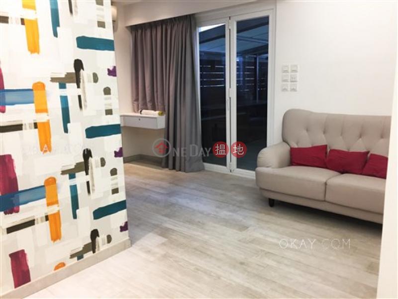 Cozy studio with terrace   Rental, Garley Building 嘉利大廈 Rental Listings   Central District (OKAY-R229752)