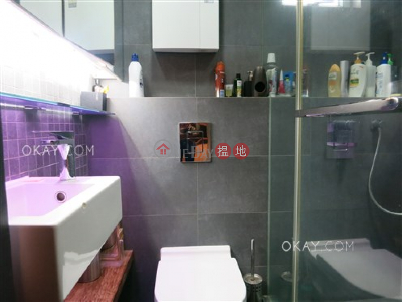 HK$ 9.8M | Lun Fung Court Western District Charming 2 bedroom with sea views | For Sale