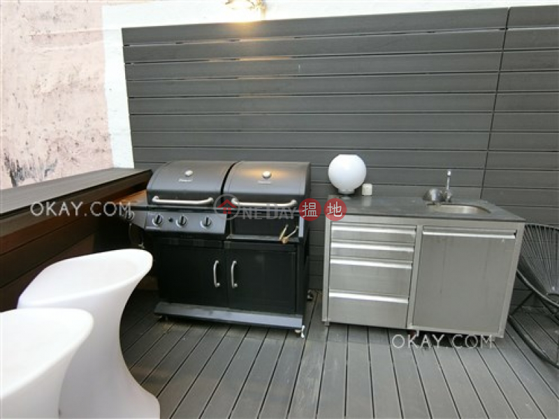 HK$ 17.8M | Sunrise House, Central District | Stylish 1 bedroom with terrace | For Sale