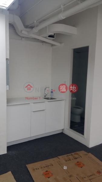 天際中心高層 1單位-寫字樓/工商樓盤出租樓盤 HK$ 12,000/ 月