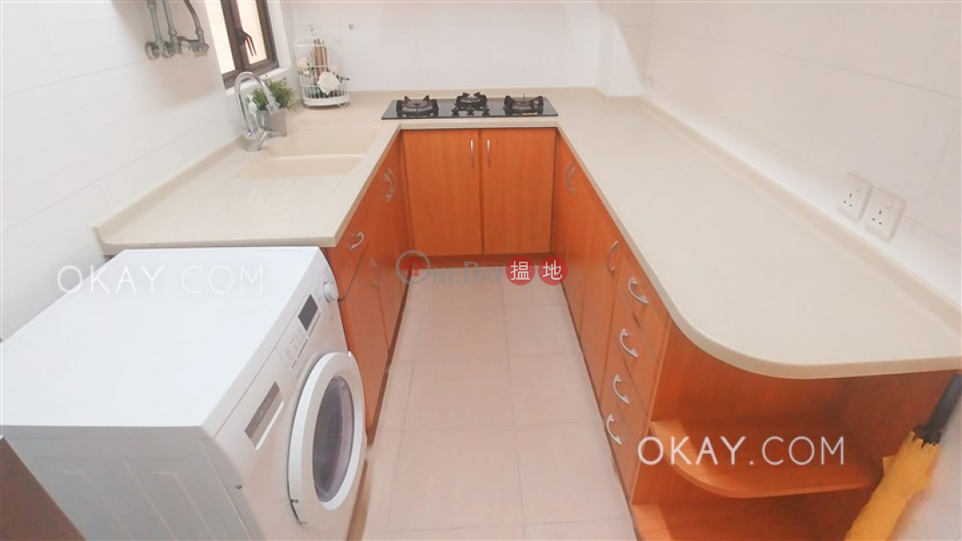 HK$ 13.2M, Yu Fung Building, Wan Chai District, Luxurious 2 bedroom with racecourse views   For Sale