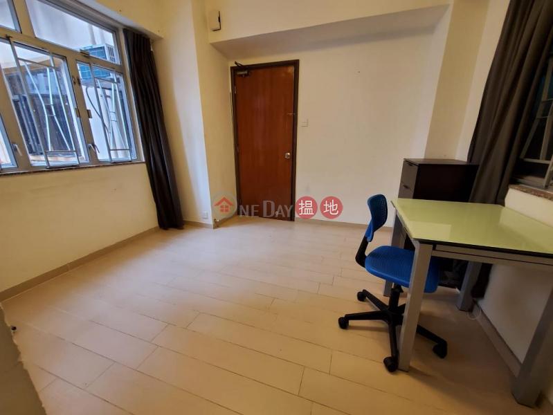 Flat for Rent in Pao Woo Mansion, Wan Chai | 177-179 Wan Chai Road | Wan Chai District Hong Kong Rental | HK$ 15,000/ month