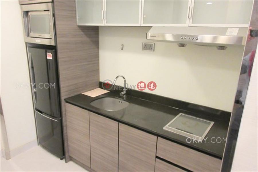 Popular studio on high floor with sea views | Rental | Convention Plaza Apartments 會展中心會景閣 Rental Listings