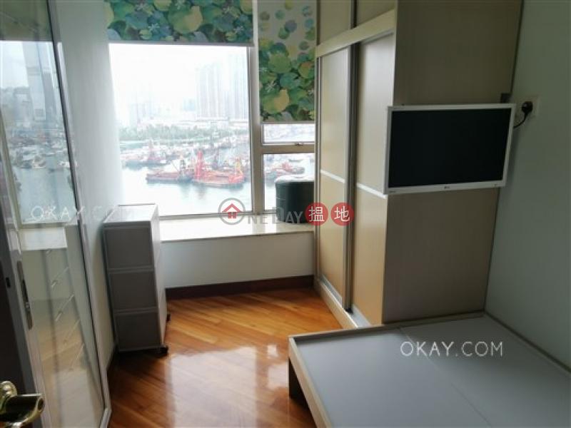 3房2廁,星級會所,露台《一號銀海8座出售單位》-18海輝道 | 油尖旺|香港出售-HK$ 2,300萬