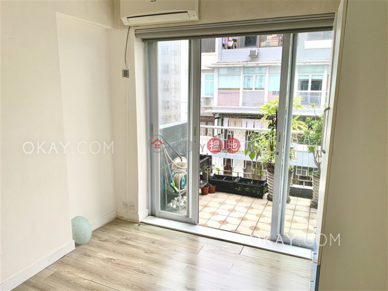 HK$ 40,000/ month Hamilton Mansion | Wan Chai District | Lovely 3 bedroom with sea views & balcony | Rental